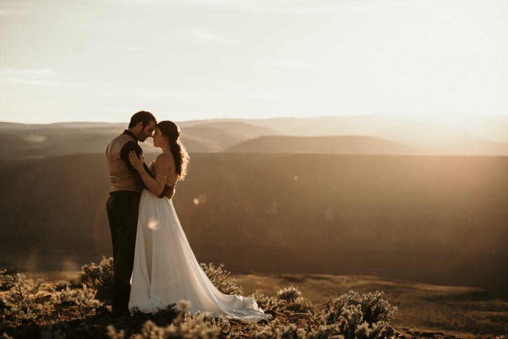 Plan your wedding Seattle Elopement Photographer