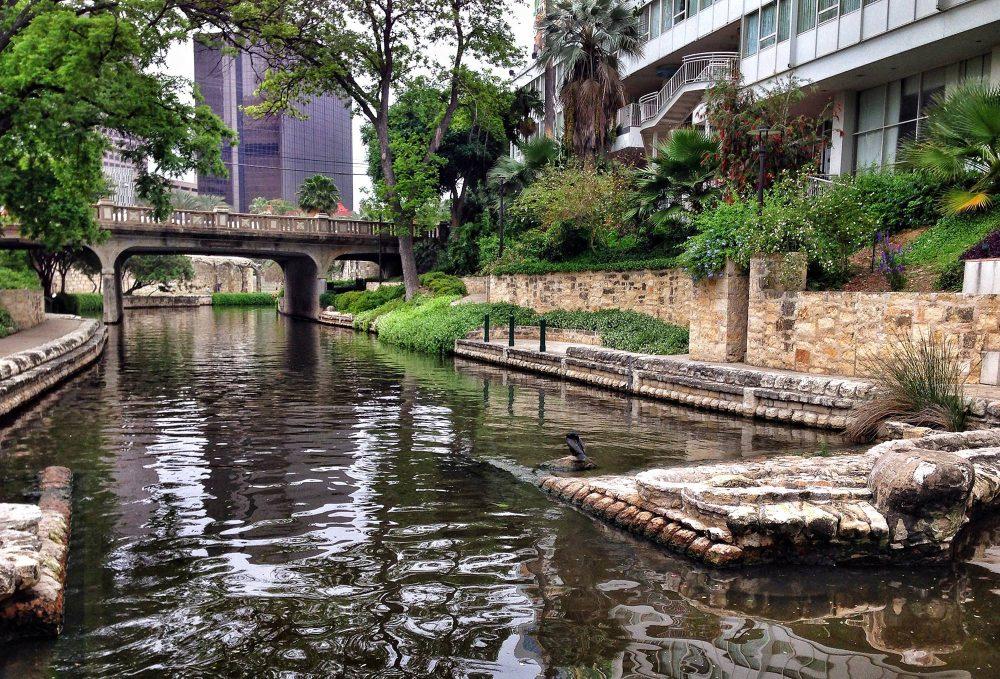 elope in texas Riverwalk San Antonio